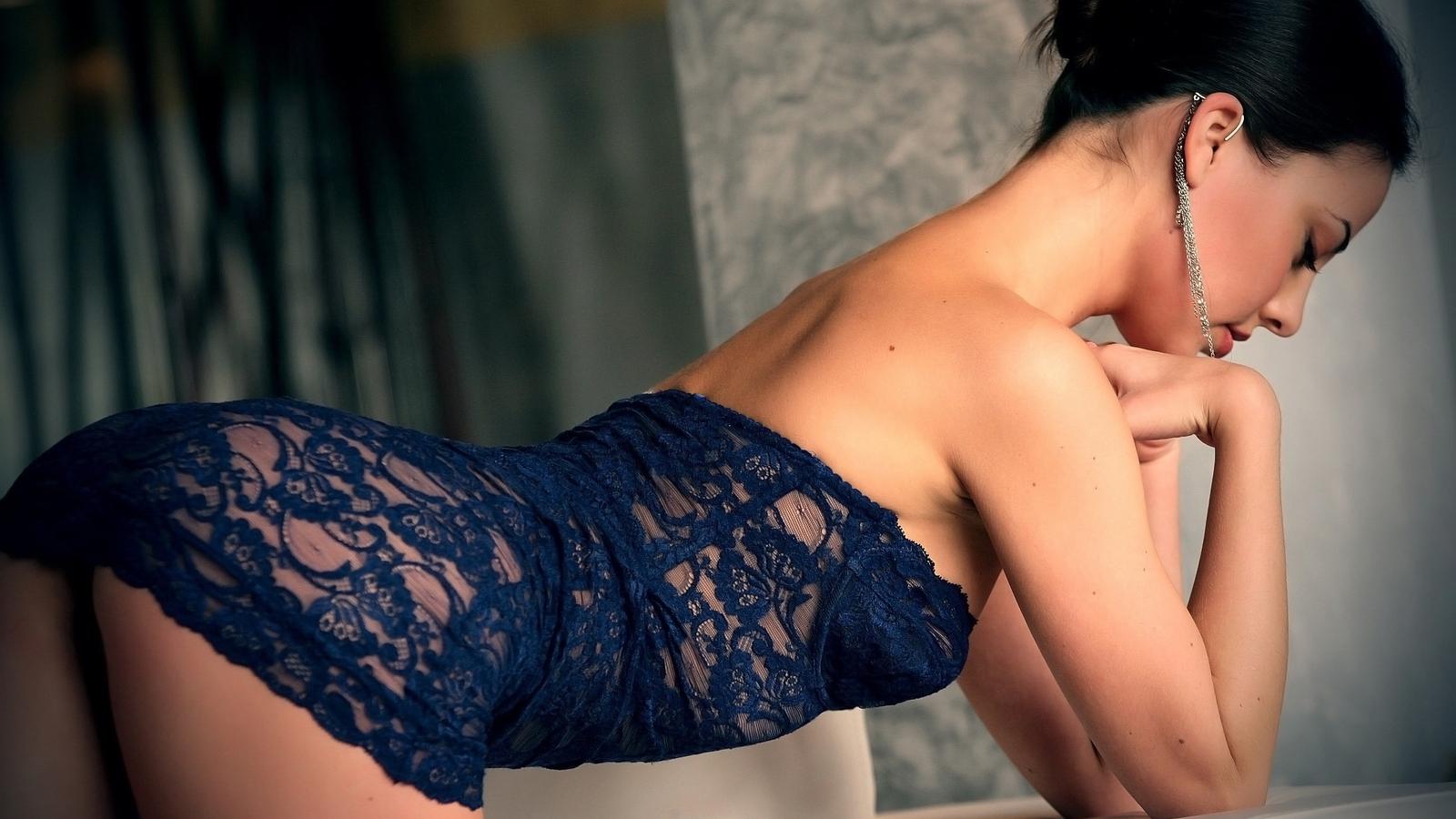 Фото моделей в сексуальных платьях 13 фотография